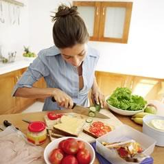 chica-cocinando